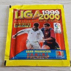 Cromos de Fútbol: SOBRE CON SUS CROMOS, ALBUM LIGA 1999 2000, LICENCIA LFP, PANINI SPORTS. SIN ABRIR.. Lote 245545145
