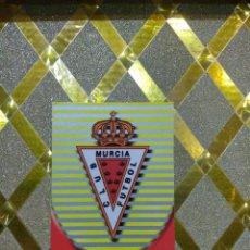 Cromos de Fútbol: CROMO DE FUTBOL ESCUDO DEL MURCIA NUMERO 566 LAS FICHAS DE LA LIGA 2003 MUNDICROMO *. Lote 263096940