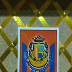 Cromos de Fútbol: CROMO DE FUTBOL ESCUDO DEL LLAGOSTERA NUMERO 856 LAS FICHAS DE LA LIGA 2016 MUNDICROMO 2015 2016 *. Lote 263622945