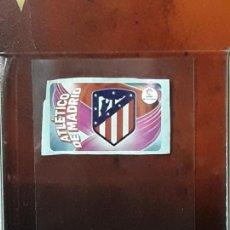 Cromos de Fútbol: LIGA ESTE 2019 2020 SANTANDER 19 20 CHICLES CROMO PANINI FUTBOL N ATLETICO MADRID ESCUDO. Lote 269950898