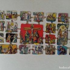 Coleccionismo Cromos troquelados antiguos: GRAN LAMINA DE CROMOS TROQUELADOS DE PICAR, RELIGIOSOS BELEN NACIMIENTO CRUCIFICCION CRISTO ESCENAS. Lote 62974862