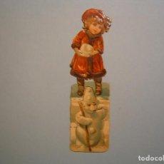Coleccionismo Cromos troquelados antiguos: PRECIOSO CROMO TROQUELADO - CHOCOLATE AMATLLER - NIÑA Y MUÑECO DE NIEVE - 12,50 CM DE ALTURA . Lote 79654657