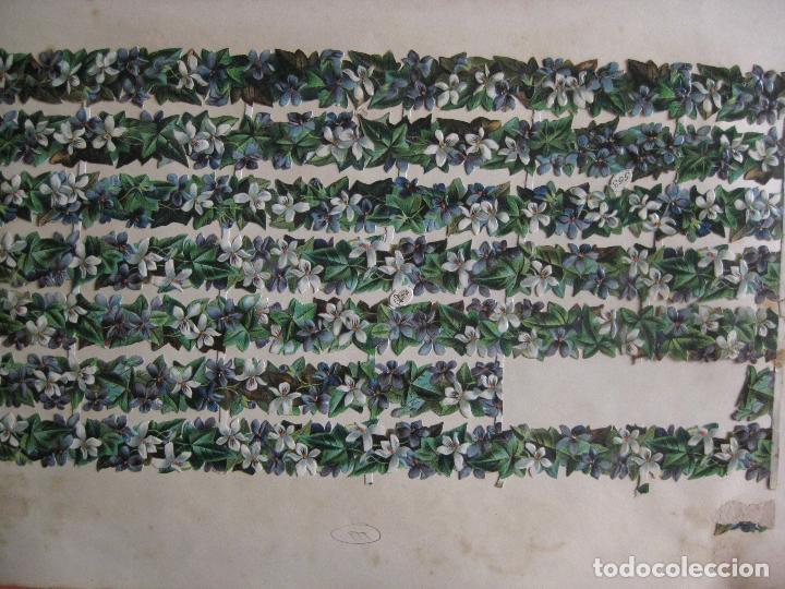 Coleccionismo Cromos troquelados antiguos: 2 CROMOS ALEMANES TROQUELADOS CESTAS FRUTAS Y AL DORSO FLORES - AÑO 1895 RELIEVE. TUCKS & SONS - Foto 4 - 80011281