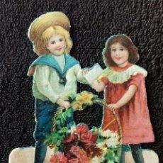 Coleccionismo Cromos troquelados antiguos: ANTIGUO CROMO TROQUELADO. CHOCOLATES AMATLLER. NIÑO Y NIÑA CON CESTA DE FLORES.. Lote 151004130