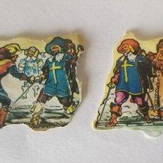 Coleccionismo Cromos troquelados antiguos: 2 CROMOS TROQUELADOS AÑOS 50 - 60. MOSQUETEROS. Lote 161471006