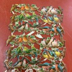 Coleccionismo Cromos troquelados antiguos: ANTIGUA HOJA CON 14 CROMOS TROQUELADOS , PAJAROS Y RAMAS MIDE 15X10CM APROX. Lote 183765706