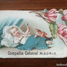 Coleccionismo Cromos troquelados antiguos: NIÑO CON SONAJERO Y MUÑECO - CROMO TROQUELADO COMPAÑÍA COLONIAL - 10 X 6,3 CM. Lote 192051146