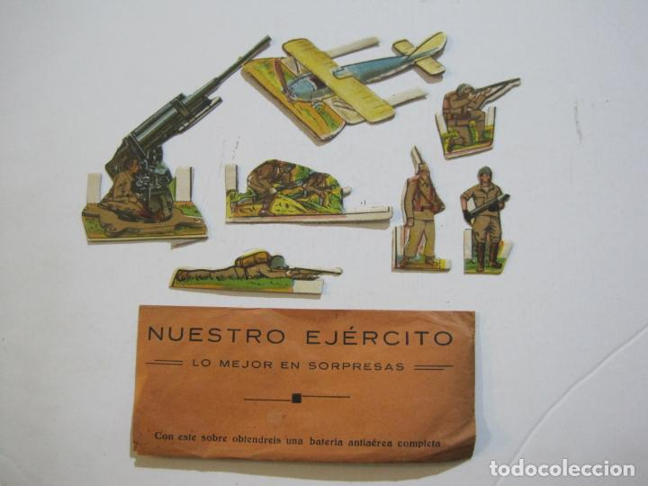 NUESTRO EJERCITO-SOBRE CON 7 CROMOS TROQUELADOS DE SOLDADOS-VER FOTOS-(V-21.999) (Coleccionismo - Cromos y Álbumes - Cromos Troquelados)