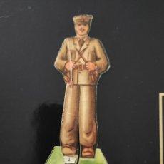 Coleccionismo Cromos troquelados antiguos: CROMO TROQUELADO, SOLDADO, EJERCITO POPULAR, GUERRA CIVIL ESPAÑOLA EN PERFECTO ESTADO. Lote 216800448
