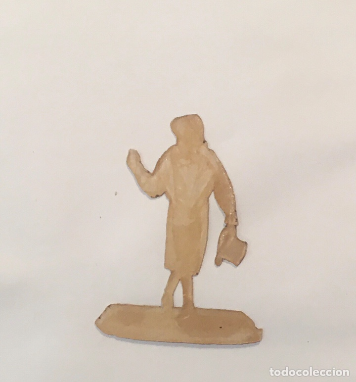 Coleccionismo Cromos troquelados antiguos: Cromo Troquelado Cromos de Picar Hombrecillo Figuras Personajes Grotescos Antiguo Siglo XIX - Foto 2 - 221779960