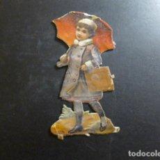 Coleccionismo Cromos troquelados antiguos: NIÑA CON PARAGUAS CROMO TROQUELADO SIGLO XIX. Lote 234517285
