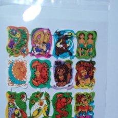 Coleccionismo Cromos troquelados antiguos: LÁMINA DE CROMOS TROQUELADOS ESPAÑOLES GRÁFICAS LOROÑO AÑOS 70 SERIE HORÒSCOPO. Lote 271600148