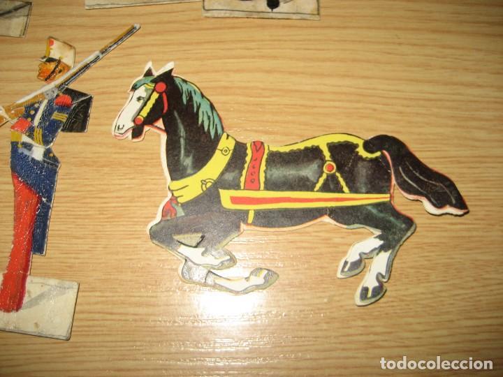 Coleccionismo Cromos troquelados antiguos: 12 cromo troquelado soldado cura y caballo 10 cm . procesion corpus ? - Foto 6 - 273913348