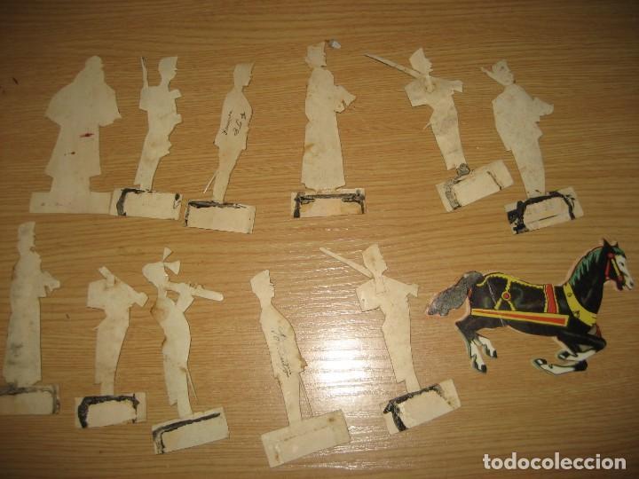 Coleccionismo Cromos troquelados antiguos: 12 cromo troquelado soldado cura y caballo 10 cm . procesion corpus ? - Foto 7 - 273913348