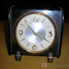 Despertadores antiguos: RELOJ DESPERTADOR (DECO)EN MADERA. Lote 27573955