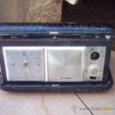 Despertadores antiguos: ANTIGUO RELOJ DESPERTADOR DE CUERDA CON RADIO, EN SU CAJA. Lote 26744868