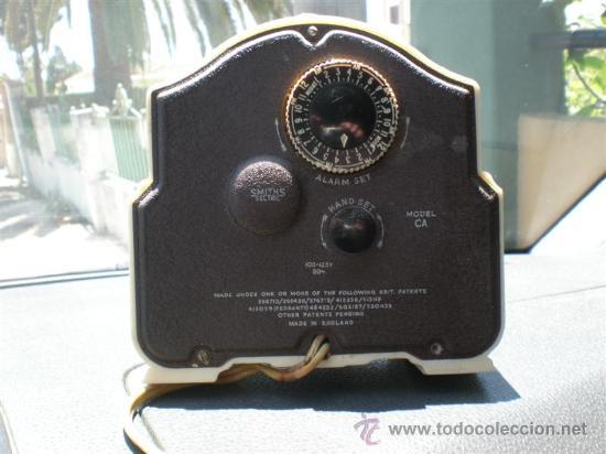 Despertadores antiguos: reloj de baquelita en blanco con cable swiths - Foto 4 - 19648031
