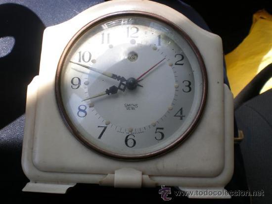 Despertadores antiguos: reloj de baquelita en blanco con cable swiths - Foto 5 - 19648031