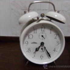 Despertadores antiguos: RELOJ DESPERTADOR DE CAMPANA FUNCIONANDO.. Lote 24631944