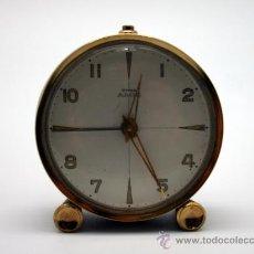 Despertadores antiguos: RELOJ DESPERTADOR ¨CYMA AMIC¨.METAL DORADO.. Lote 30684436
