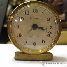 Despertadores antiguos: PEQUEÑO RELOJ DESPERTADOR EUROPA, FUNCIONANDO - MEDIDA 6 X 5 CM.. Lote 31414640