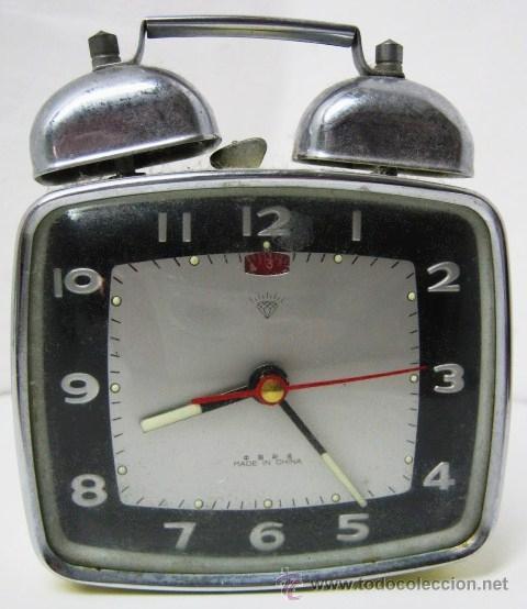 VINTAGE RELOJ DESPERTADOR DIAMONT SHANGHAI - FUNCIONANDO - 2 CAMPANAS (Relojes - Relojes Despertadores)
