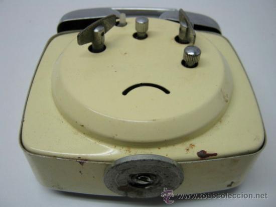 Despertadores antiguos: Vintage reloj despertador Diamont Shanghai - funcionando - 2 campanas - Foto 5 - 35174103