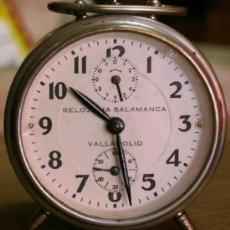 Despertadores antiguos: RELOJ DESPERTADOR DE CARGA MANUAL RELOJERIA SALAMANCA VALLADOLID AÑOS 50 FUNCIONANDO. Lote 36602556
