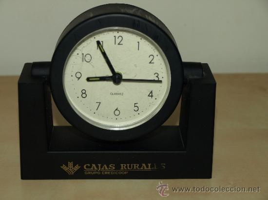 RELOJ DESPERTADOR CAJA RURAL CREDICOOP. AL PONERLE UNA PILA FUNCIONA. 13,2 CM X 12,6 CM. VER FOTOS (Relojes - Relojes Despertadores)