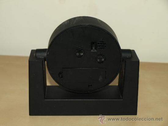 Despertadores antiguos: RELOJ DESPERTADOR CAJA RURAL CREDICOOP. AL PONERLE UNA PILA FUNCIONA. 13,2 CM X 12,6 CM. VER FOTOS - Foto 3 - 37563626