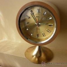 Despertadores antiguos: RELOJ DESPERTADOR DE CUERDA FASHION 2 JEWELS JAPÓN AÑOS 60. Lote 39138670