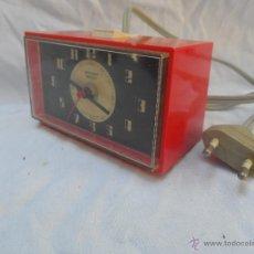 Despertadores antiguos: RELOJ DESPERTADOR VINTAGE ROJO STAIGER ELECTRIC FUNCIONA. Lote 42297835