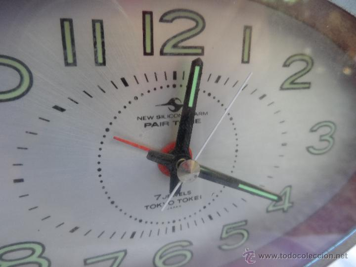 Despertadores antiguos: reloj despertador vintage 7 jewels pair tone tokio tokei color rojo funciona años 60/70 - Foto 3 - 42688037
