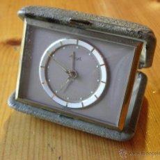 Despertadores antiguos: RELOJ DESPERTADOR DE VIAJE KIENZLE. Lote 46934769