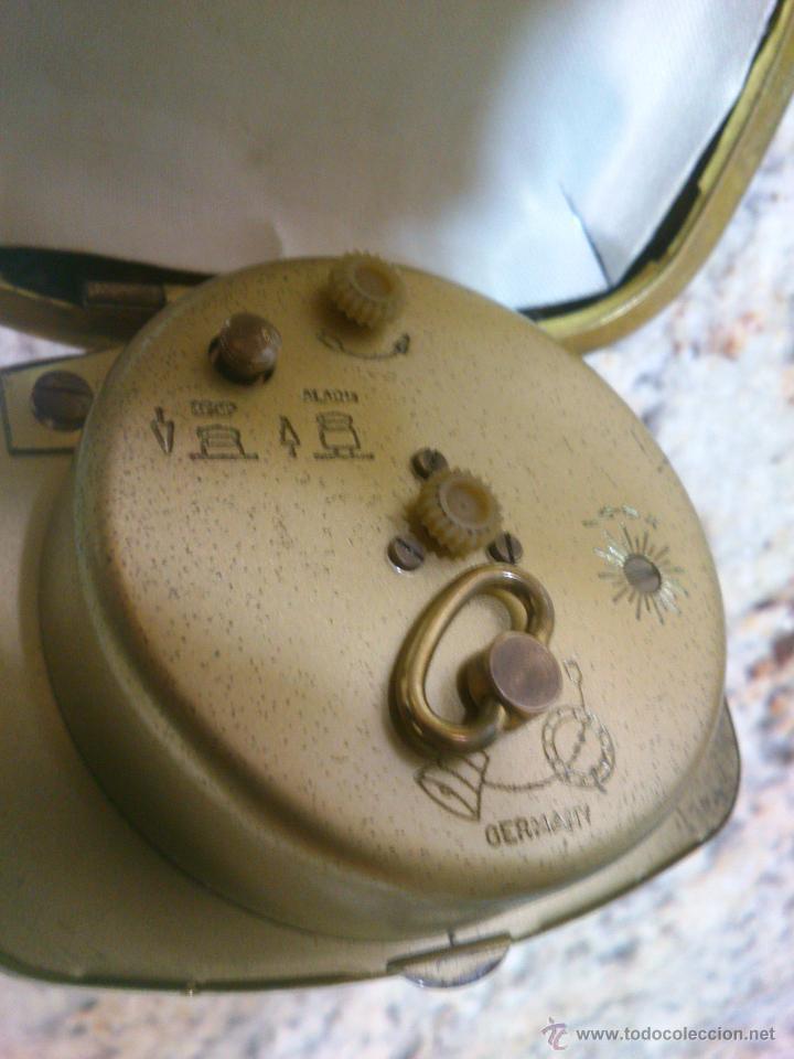 Despertadores antiguos: RELOJ DESPERTADOR DE VIAJE MARCA EUROPA AÑOS 50 . FUNCIONANDO - Foto 3 - 46943878