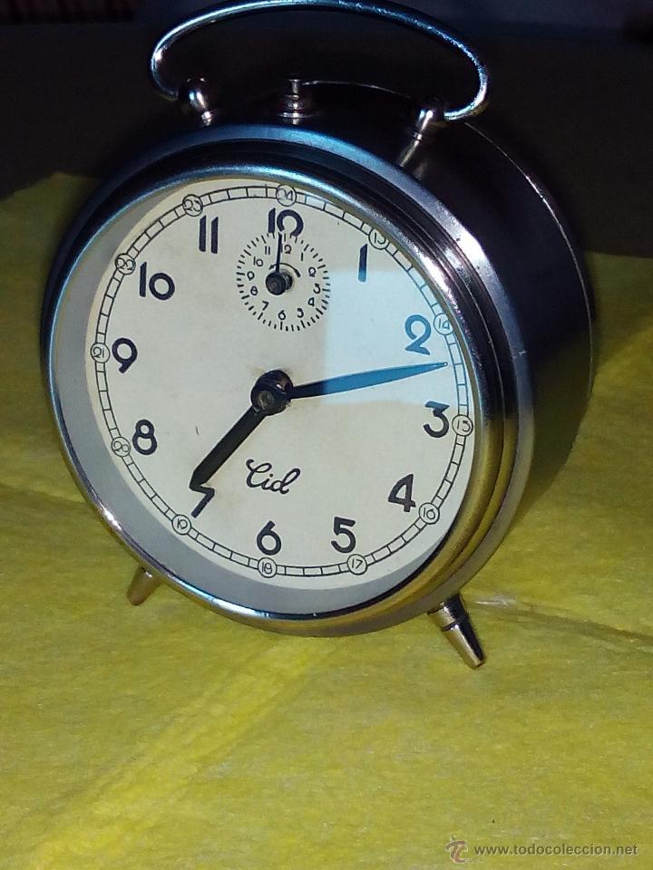 Despertadores antiguos: DESPERTADOR ESPAÑOL C I D - AÑOS 60. FUNCIONANDO. TRATADO INTERIOR / EXTERIOR. DESCRIP. Y FOTOS DI - Foto 2 - 47040292