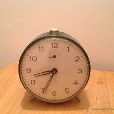 Despertadores antiguos: RELOJ DESPERTADOR TITAN, AÑOS 50, FUNCIONA.. Lote 47456468