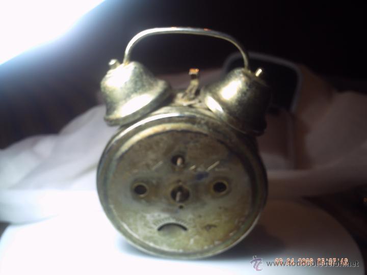 Despertadores antiguos: RELOJ DESPERTADOR CARGA MANUAL MICRO. DETERIORADO. - Foto 2 - 48402217