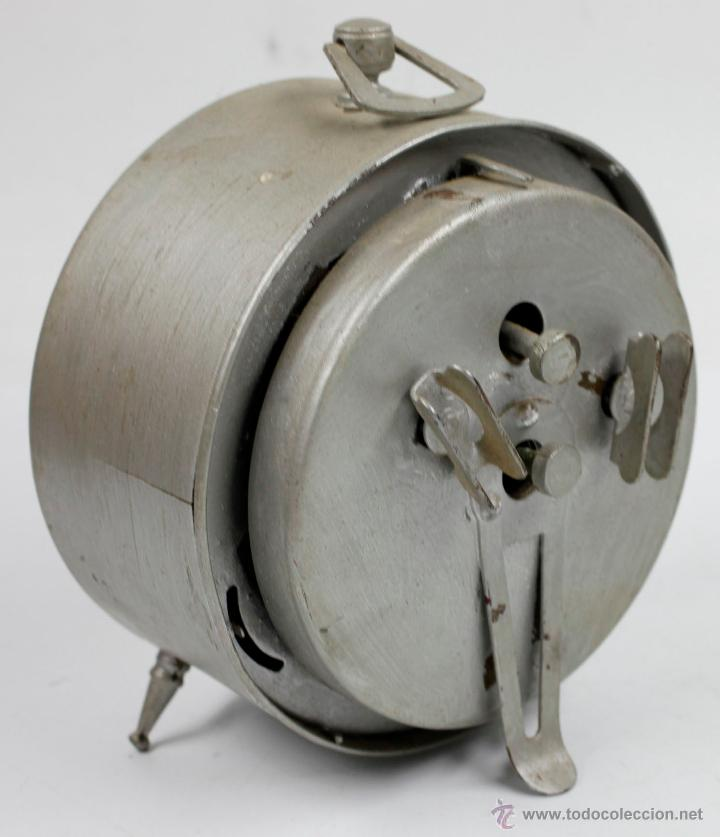 Despertadores antiguos: DESPERTADOR CLASICO WESTCLOCK. 13X13 CM. 1940'S - Foto 2 - 48956978