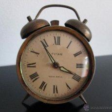 Despertadores antiguos: TITAN TWIN BELL. Lote 50854471