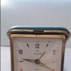 Despertadores antiguos: RELOJ DESPERTADOR DE VIAJE STARLER 2 JEWELS, CAJA VERDE. FUNCIONANDO. Lote 50916495