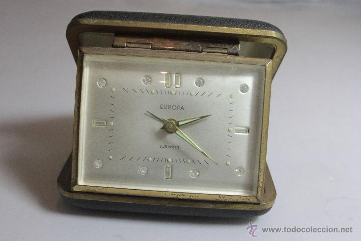 RELOJ DESPERTADOR PLEGABLE DE CARGA MANUAL CON ALARMA MARCA EUROPA MADE . FUNCIONA (Relojes - Relojes Despertadores)