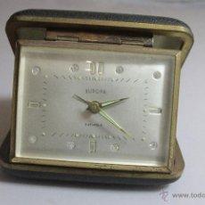 Despertadores antiguos: RELOJ DESPERTADOR PLEGABLE DE CARGA MANUAL CON ALARMA MARCA EUROPA MADE . FUNCIONA. Lote 51431547
