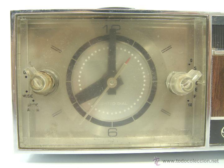Despertadores antiguos: ANTIGUO Y RARO RADIO RELOJ DESPERTADOR -GENERAL ELECTRIC PBC 550G -125V- PBC550G ELECTRICA .AÑOS 50 - Foto 3 - 51962905