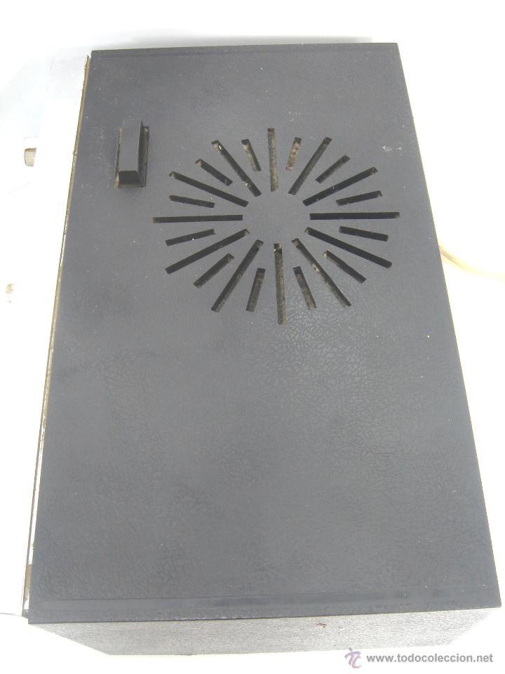 Despertadores antiguos: ANTIGUO Y RARO RADIO RELOJ DESPERTADOR -GENERAL ELECTRIC PBC 550G -125V- PBC550G ELECTRICA .AÑOS 50 - Foto 6 - 51962905