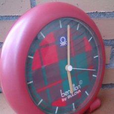Despertadores antiguos: RELOJ DE SOBREMESA BENETTON BY BULOVA, MADE IN FRANCE, VINTAGE.. Lote 53600495