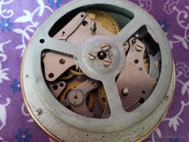 Despertadores antiguos: Reloj despertador ruso mecanico SLAVA de 1966 - Foto 8 - 121611771