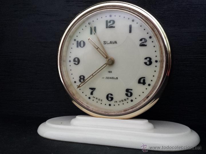 Despertadores antiguos: Reloj despertador ruso mecanico SLAVA de 1966 - Foto 11 - 121611771