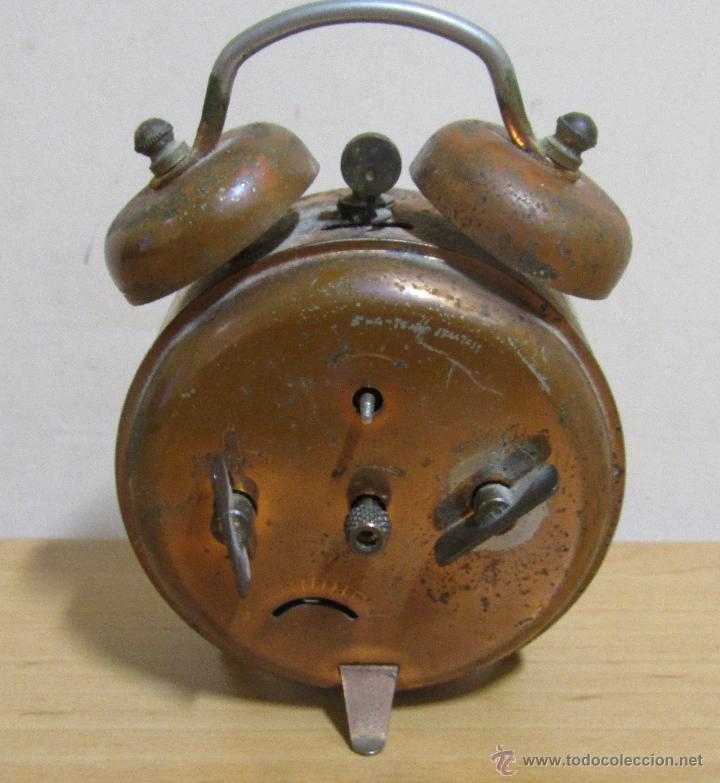 Despertadores antiguos: PETER RELOJ-DESPERTADOR DE CUERDA ANTIGUO MADE IN GERMANY EN FUNCIONAMIENTO - Foto 2 - 54636803