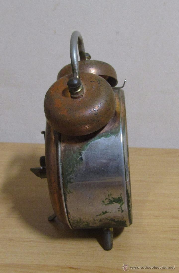 Despertadores antiguos: PETER RELOJ-DESPERTADOR DE CUERDA ANTIGUO MADE IN GERMANY EN FUNCIONAMIENTO - Foto 3 - 54636803